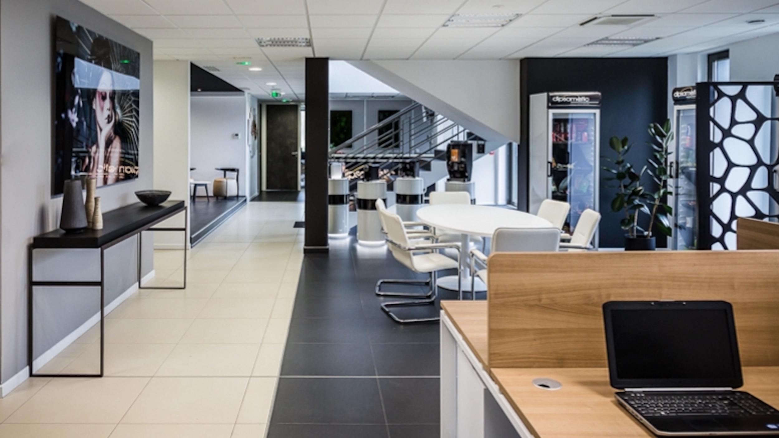 Renovation-bureaux-entreprise-bussy-77-large-2