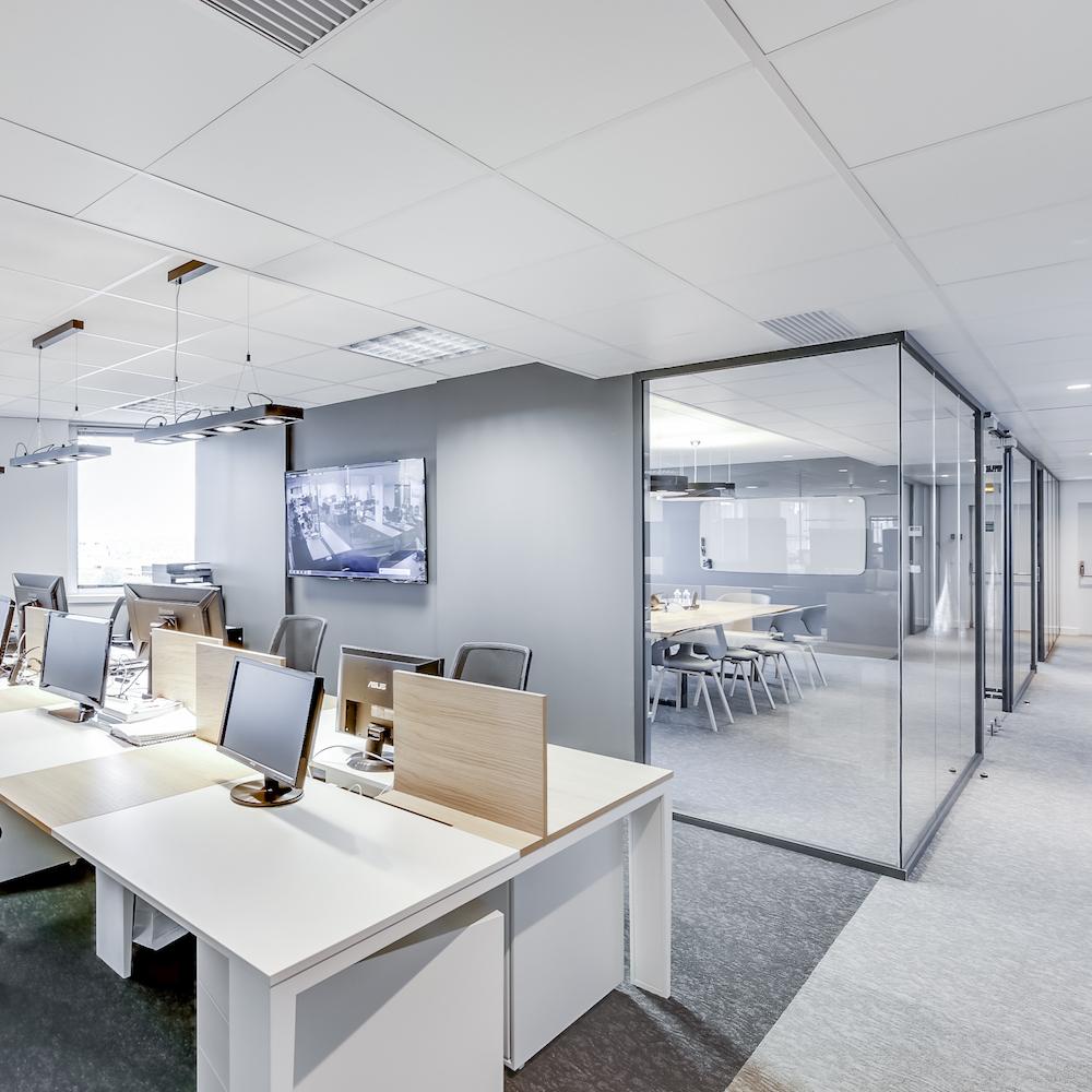 Renovation-decoration-bureaux-entreprise-94-carre-1