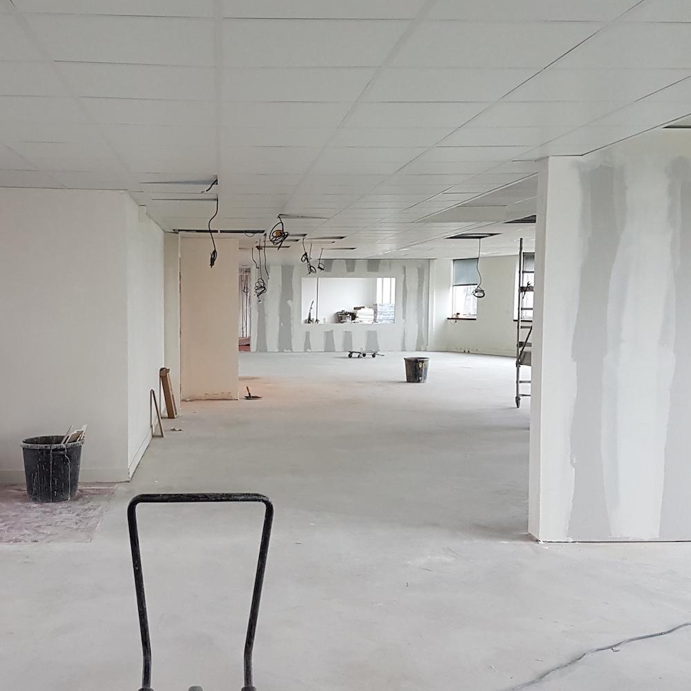 Renovation-decoration-bureaux-entreprise-94-carre-10