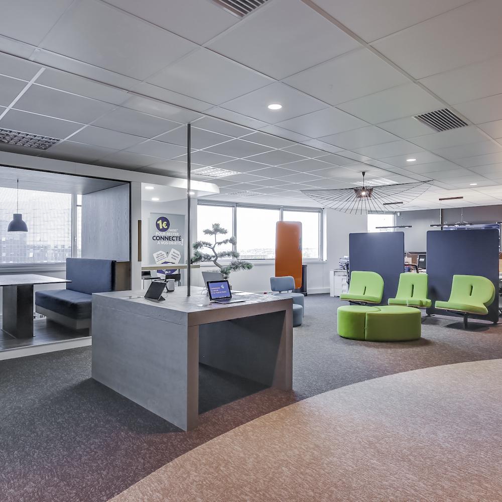 Renovation-decoration-bureaux-entreprise-94-carre-2