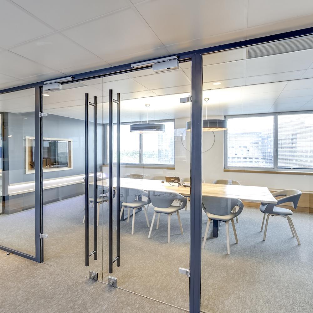 Renovation-decoration-bureaux-entreprise-94-carre-6