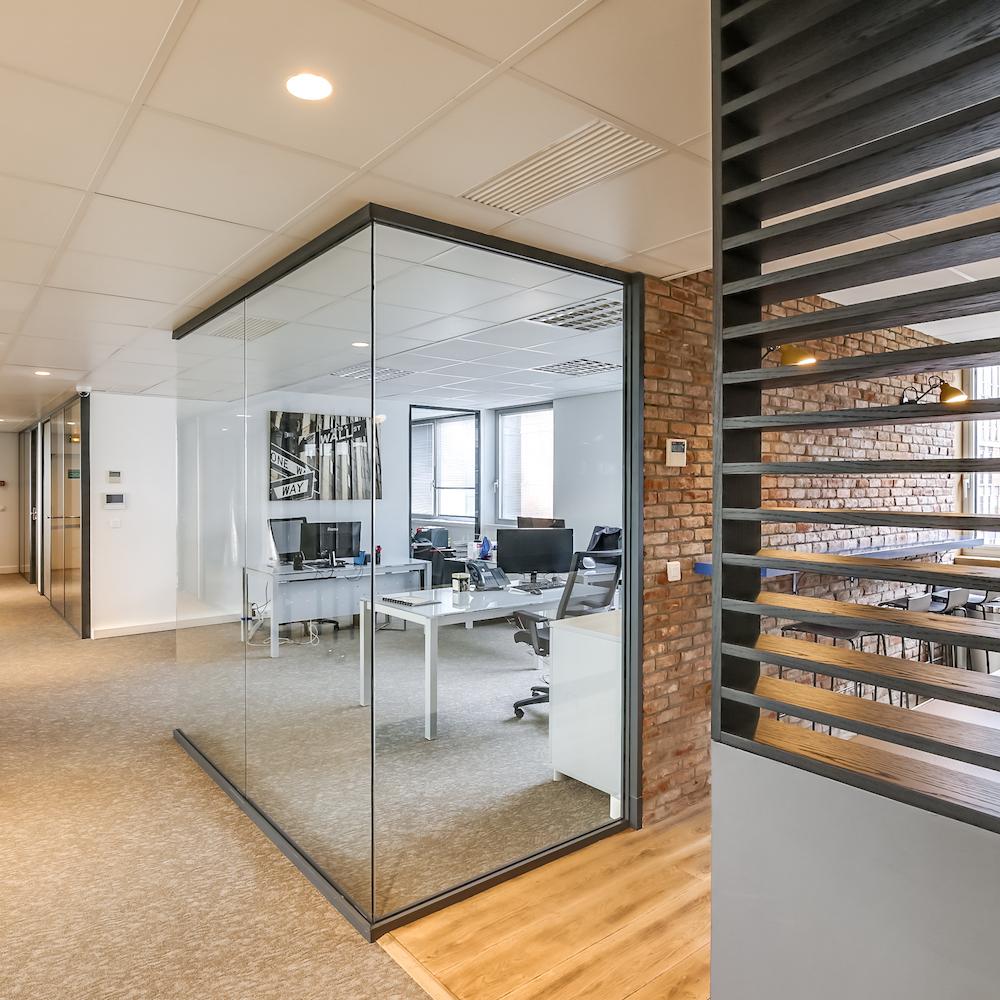 Renovation-decoration-bureaux-entreprise-94-carre-8