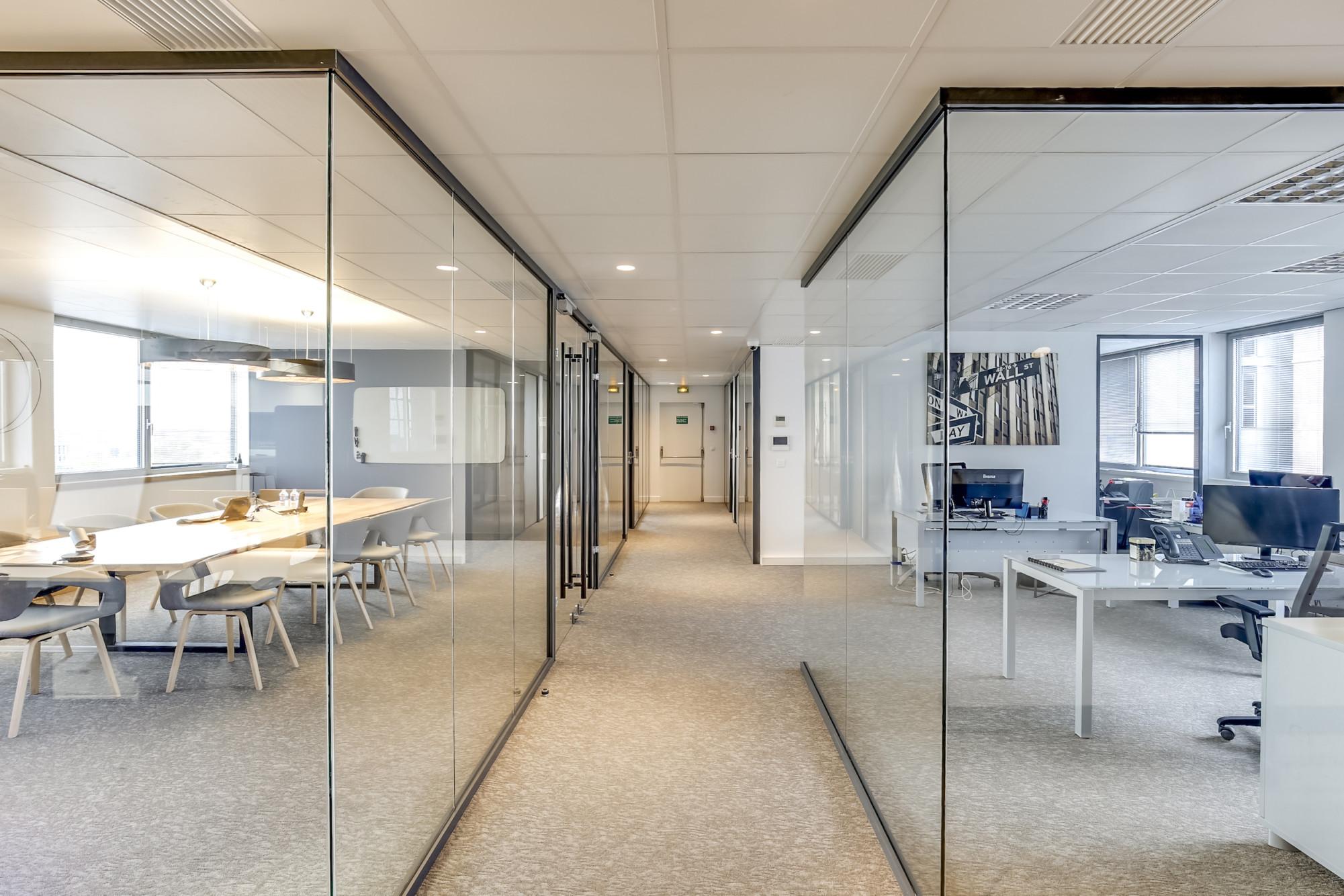 Renovation-decoration-bureaux-entreprise-94-large-1