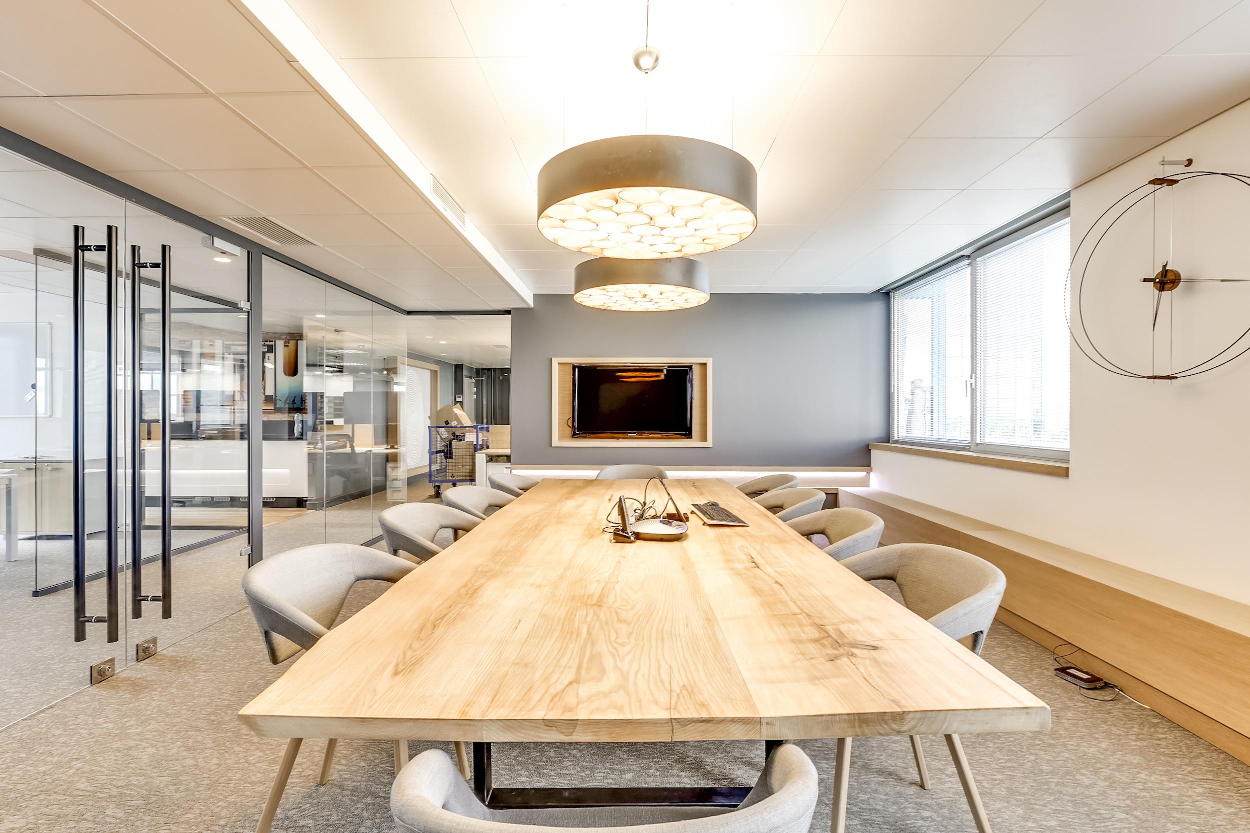 Renovation-decoration-bureaux-entreprise-94-large-4
